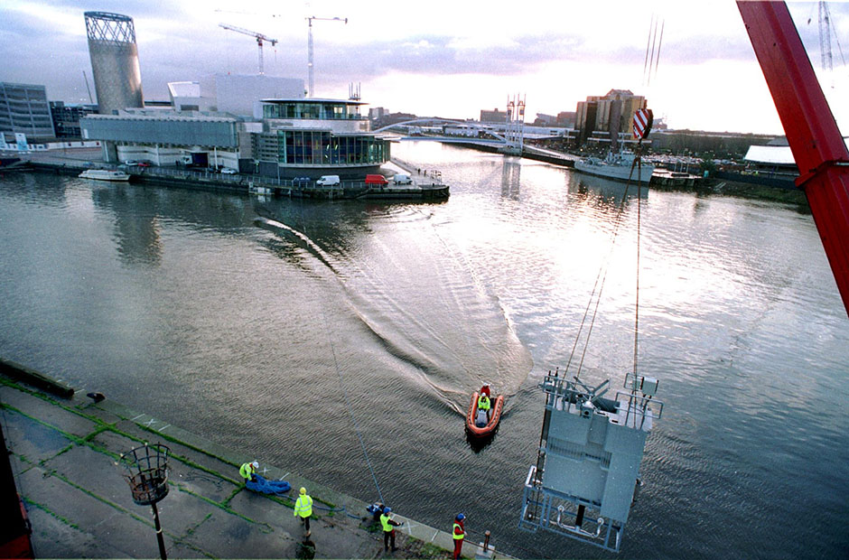 Installation of oxygenation unit at Salford Quays.